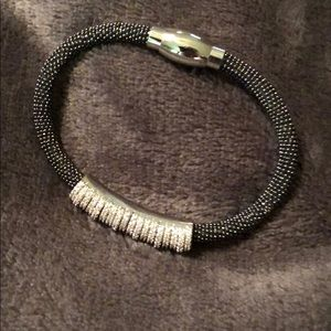 Jewelry - Black rhinestone magnet clasp